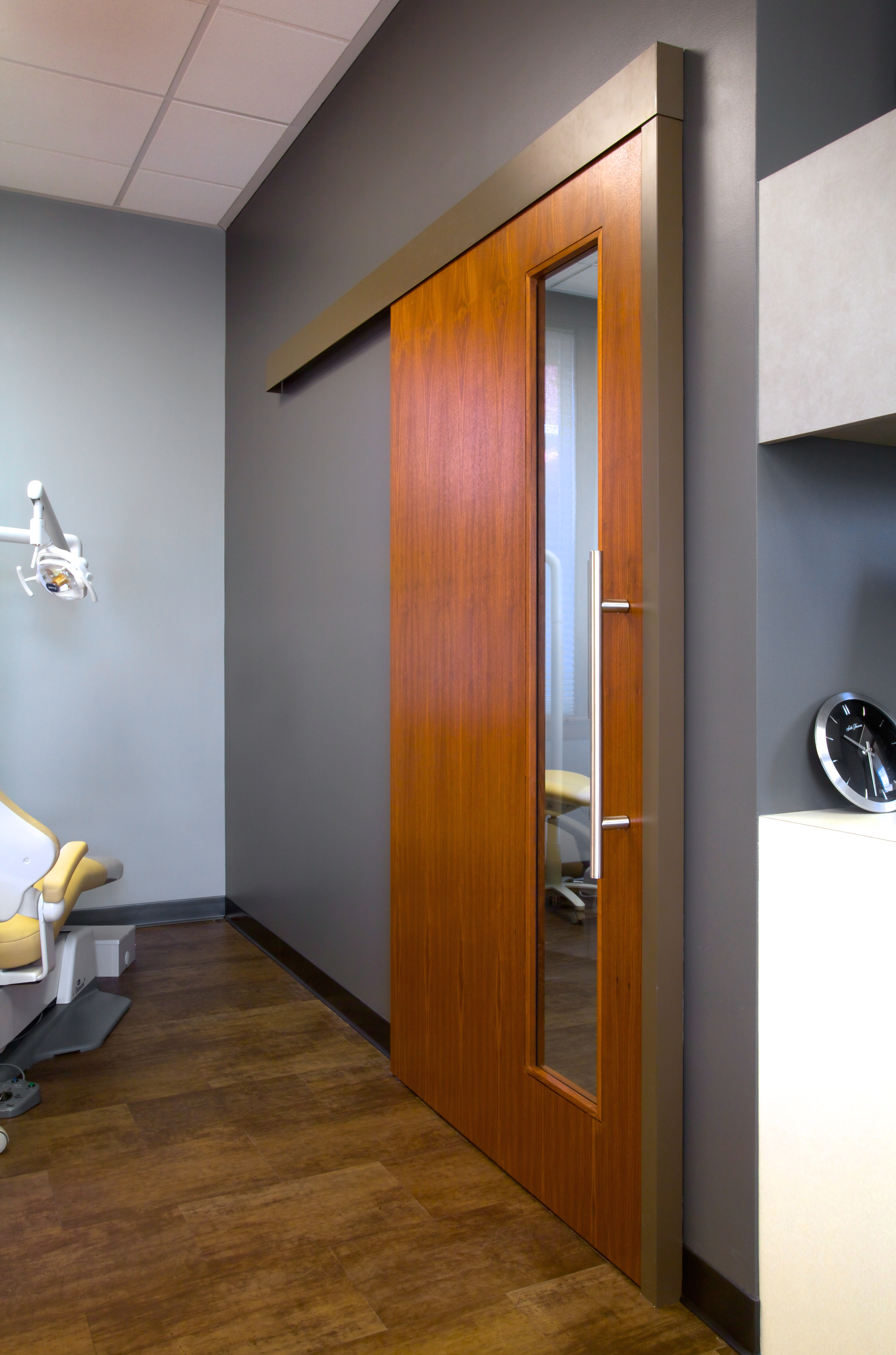& Aurora Barn Doors - Exam Room Sliding Doors | LarsonO\u0027Brien Pressroom