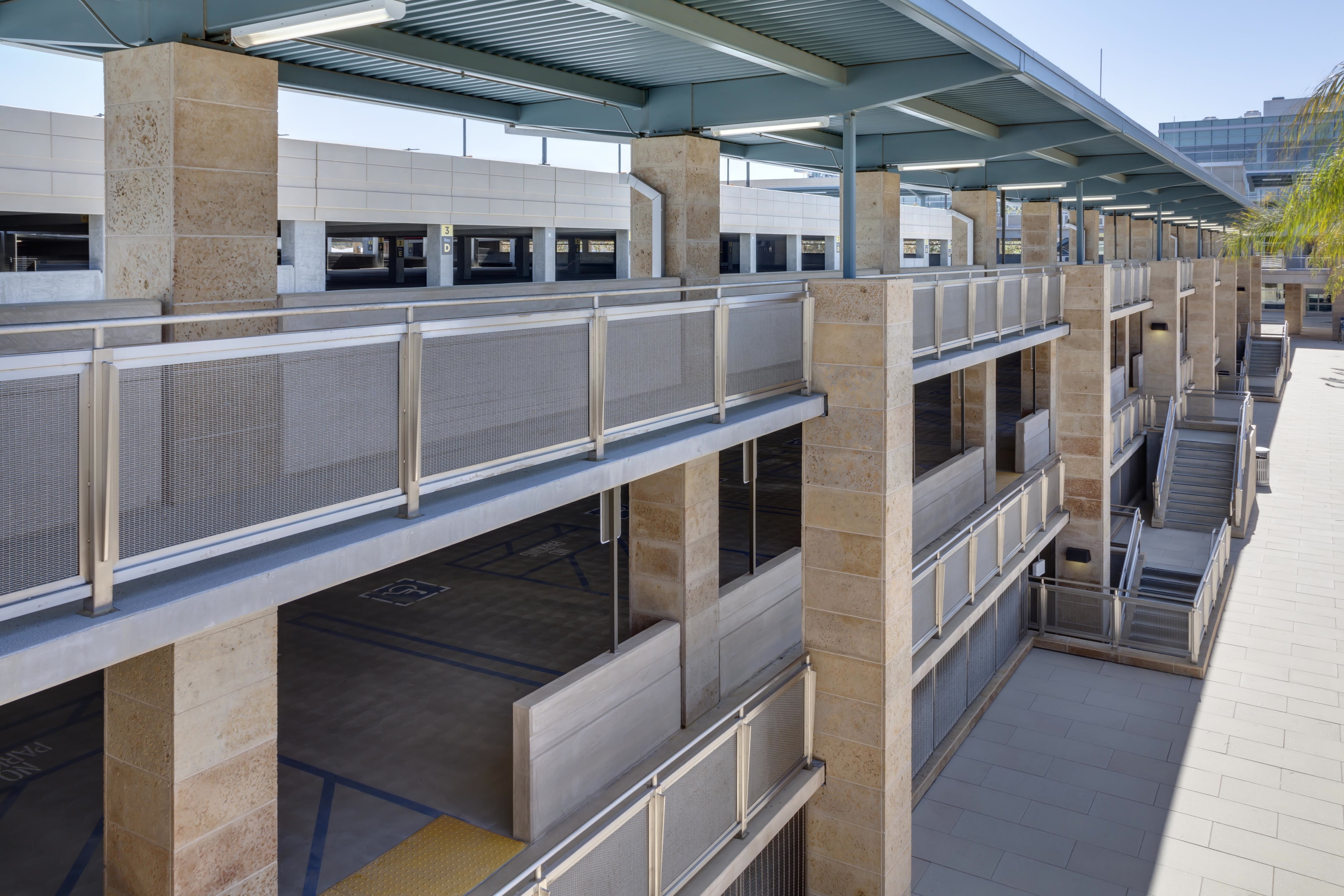 Military Chooses Banker Wire Metal Mesh For Naval Hospital Parking Wiring A Building The Railing Featuring Fpz 10 Woven Provides Sense Of Serenity And Security To Those Entering Leaving
