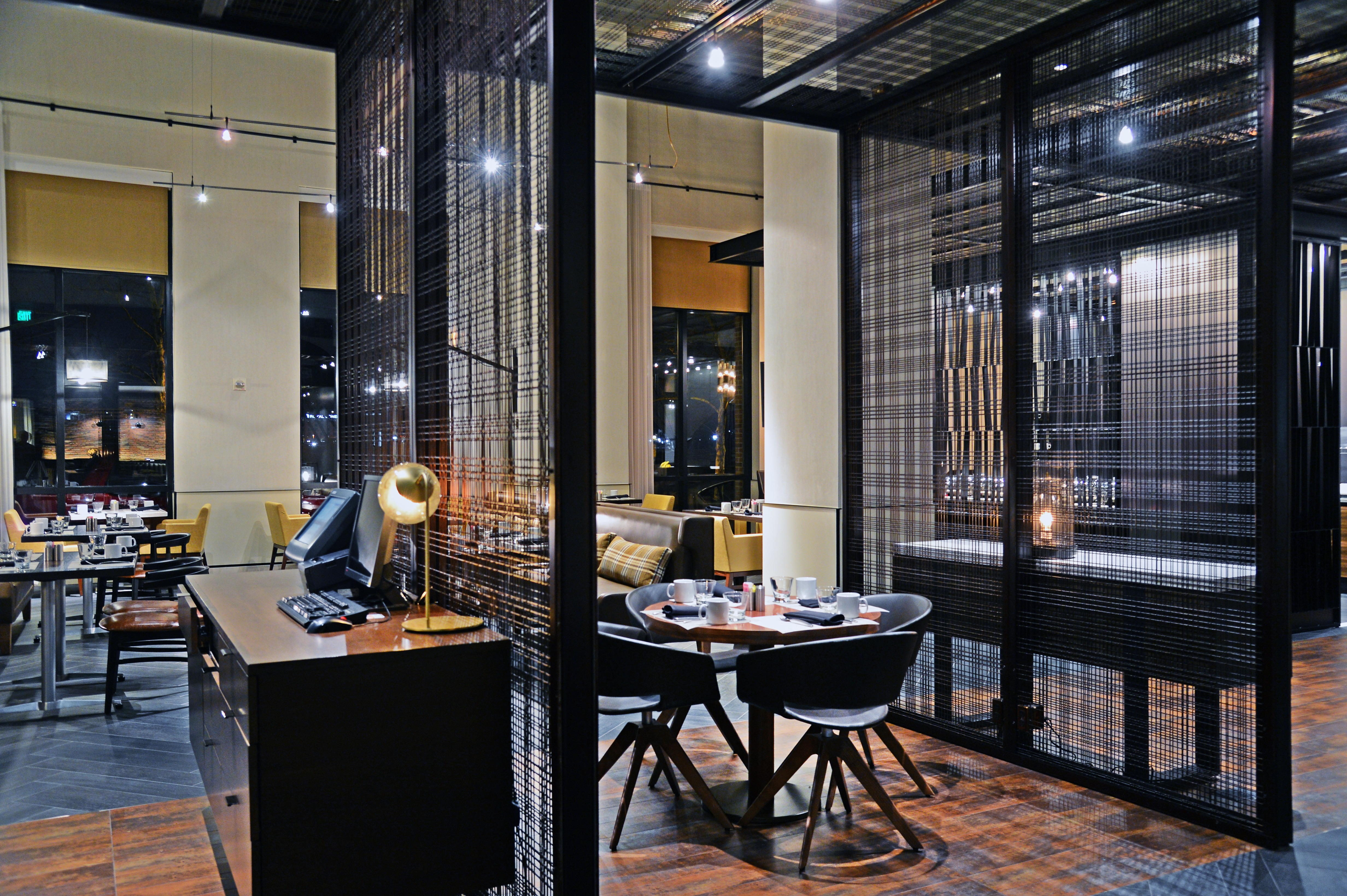 marriott waterfront reinvents restaurant and lounge with banker
